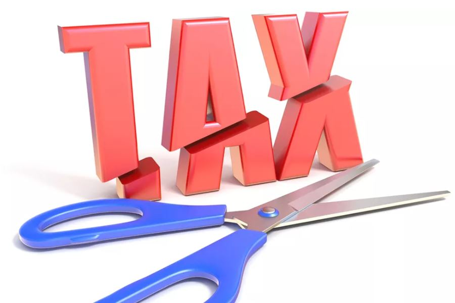 China to enact significant tax cuts: tax commissioner