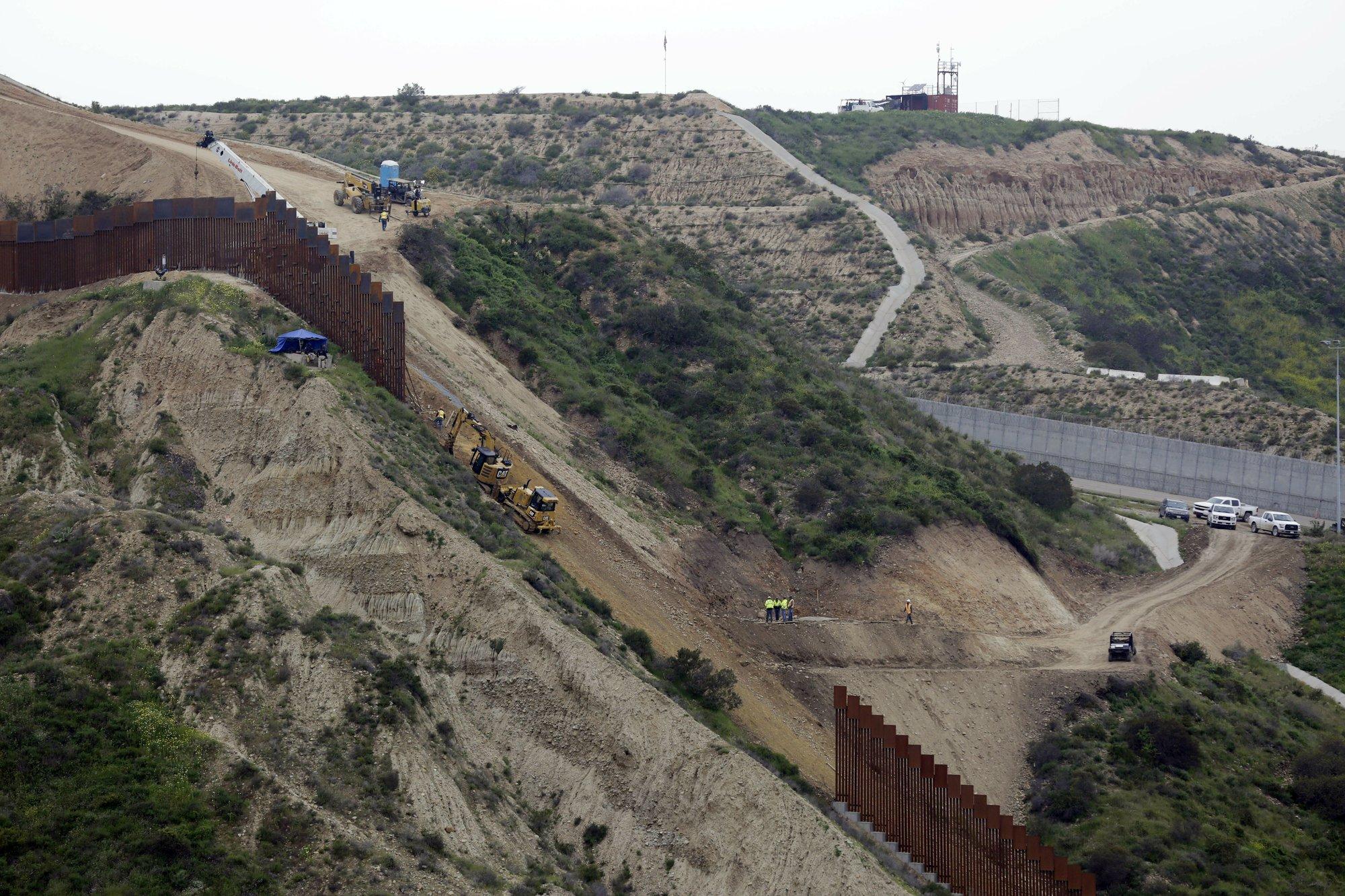 Trump pushes senators to stick with him on border emergency