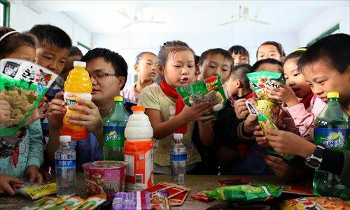 Police investigates school food safety scandal in Chengdu