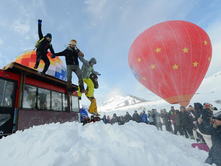 Xinjiang organizes various events to boost winter tourism industry