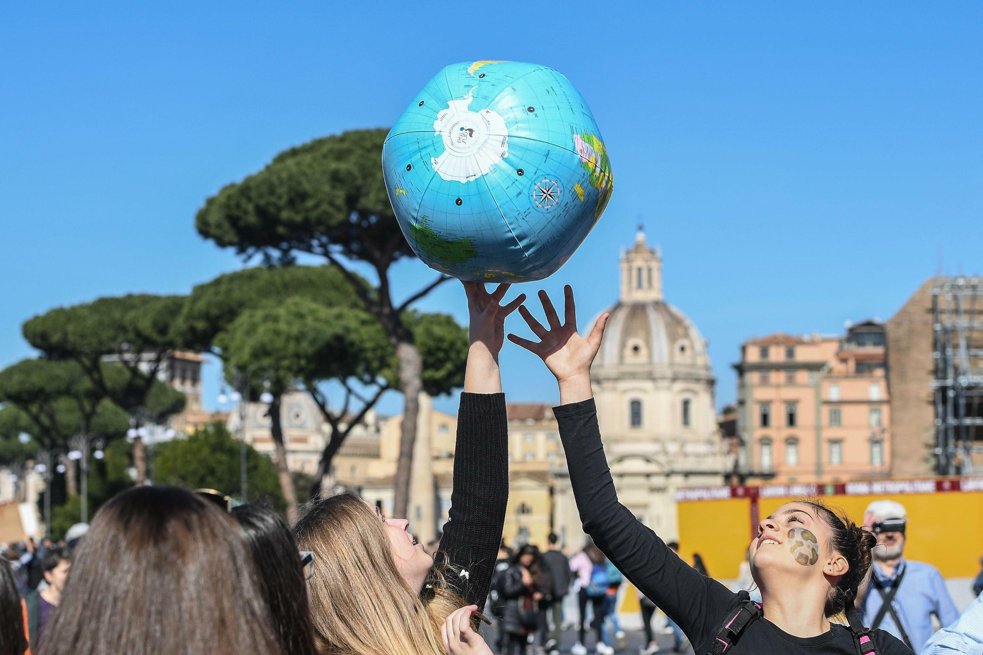 Students worldwide demand climate action