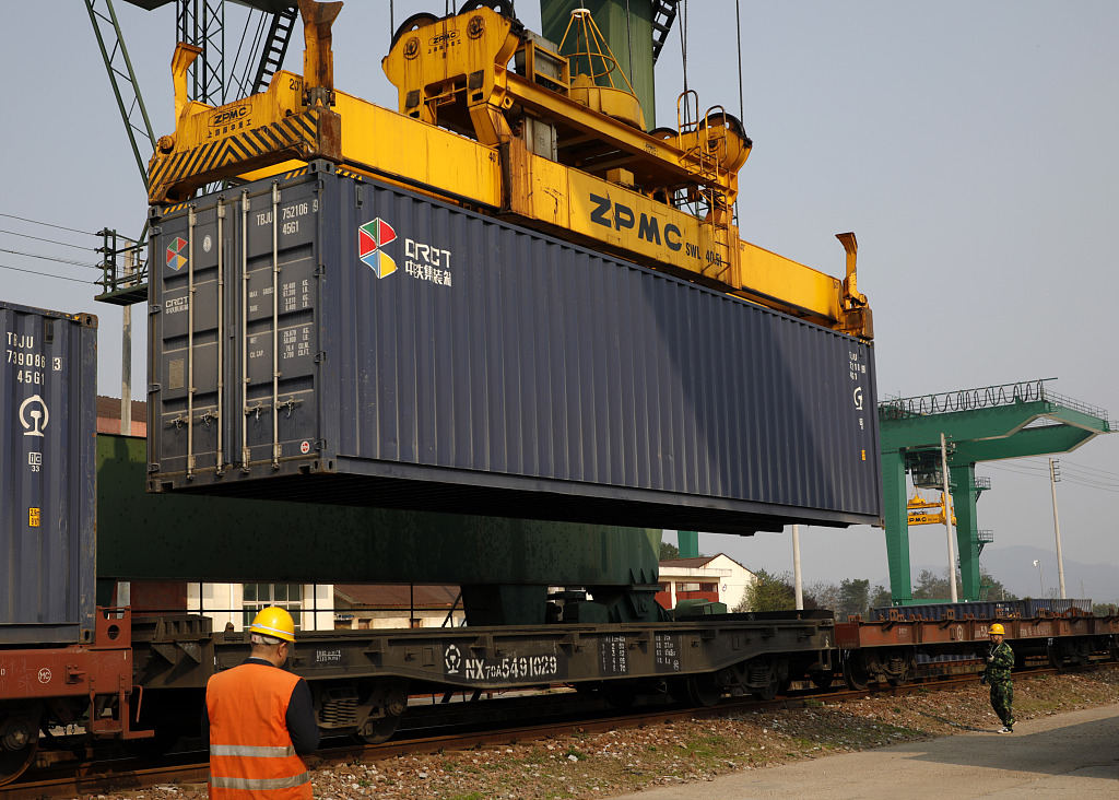 China-Europe freight train carrying photovoltaic products departs from Jiangxi for Almaty