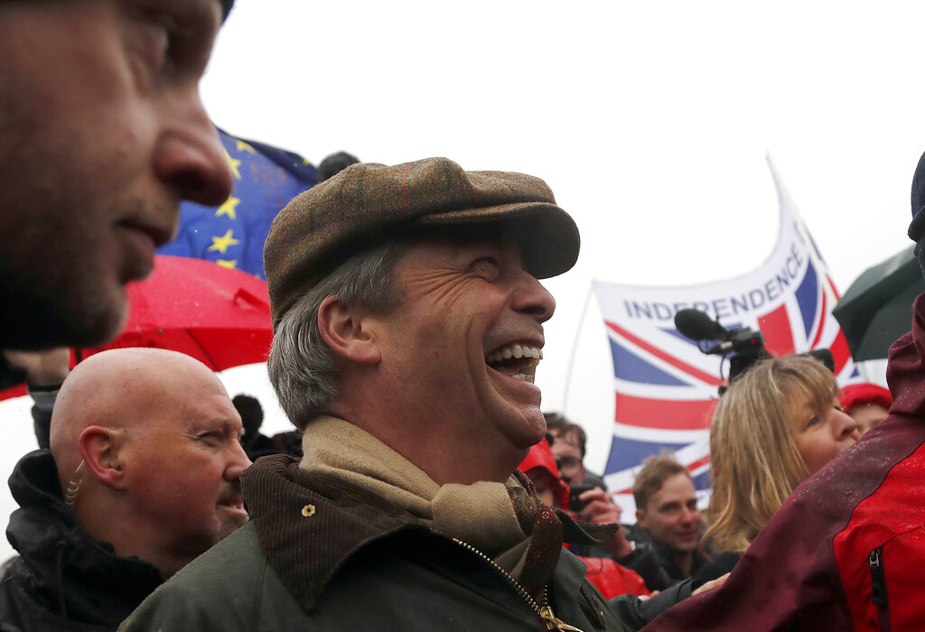 Pro-Brexit protest begins muddy march to London