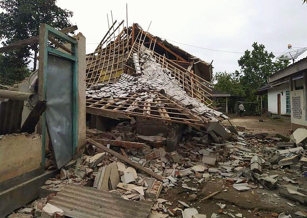 5.5-magnitude quake hits 4 km SW of Sembalunbumbung, Indonesia -- USGS