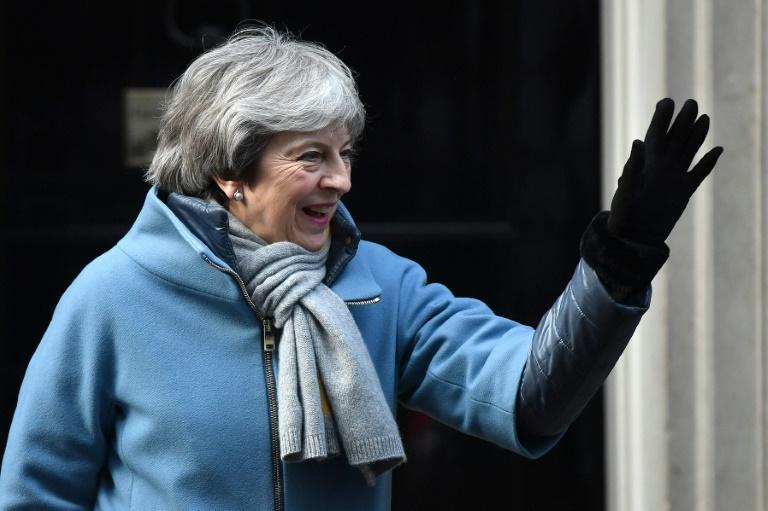 British PM battles to bring Brexiteers onside