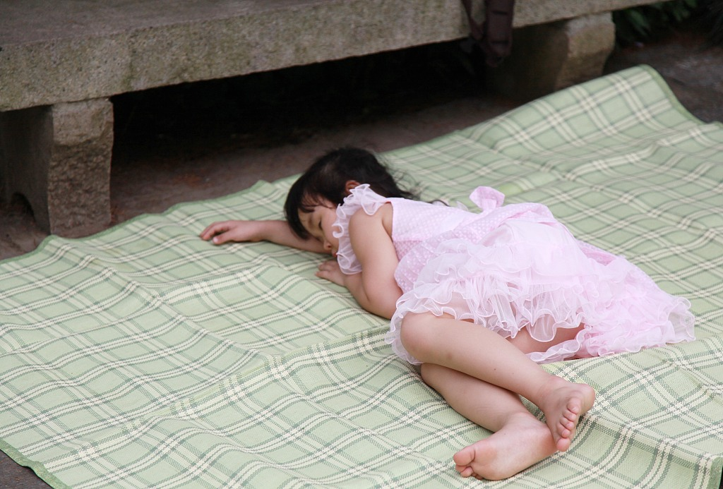 Lack of sleep poses a risk to people in China