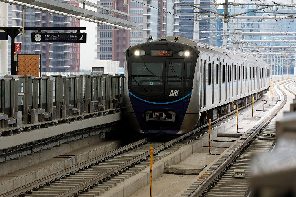 Traffic-choked Jakarta battles epic gridlock with new MRT