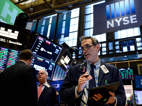 Dow plunges over 460 points amid economic slowdown anxieties