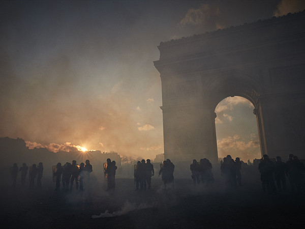 French govt gets tough on 'yellow vest' demos