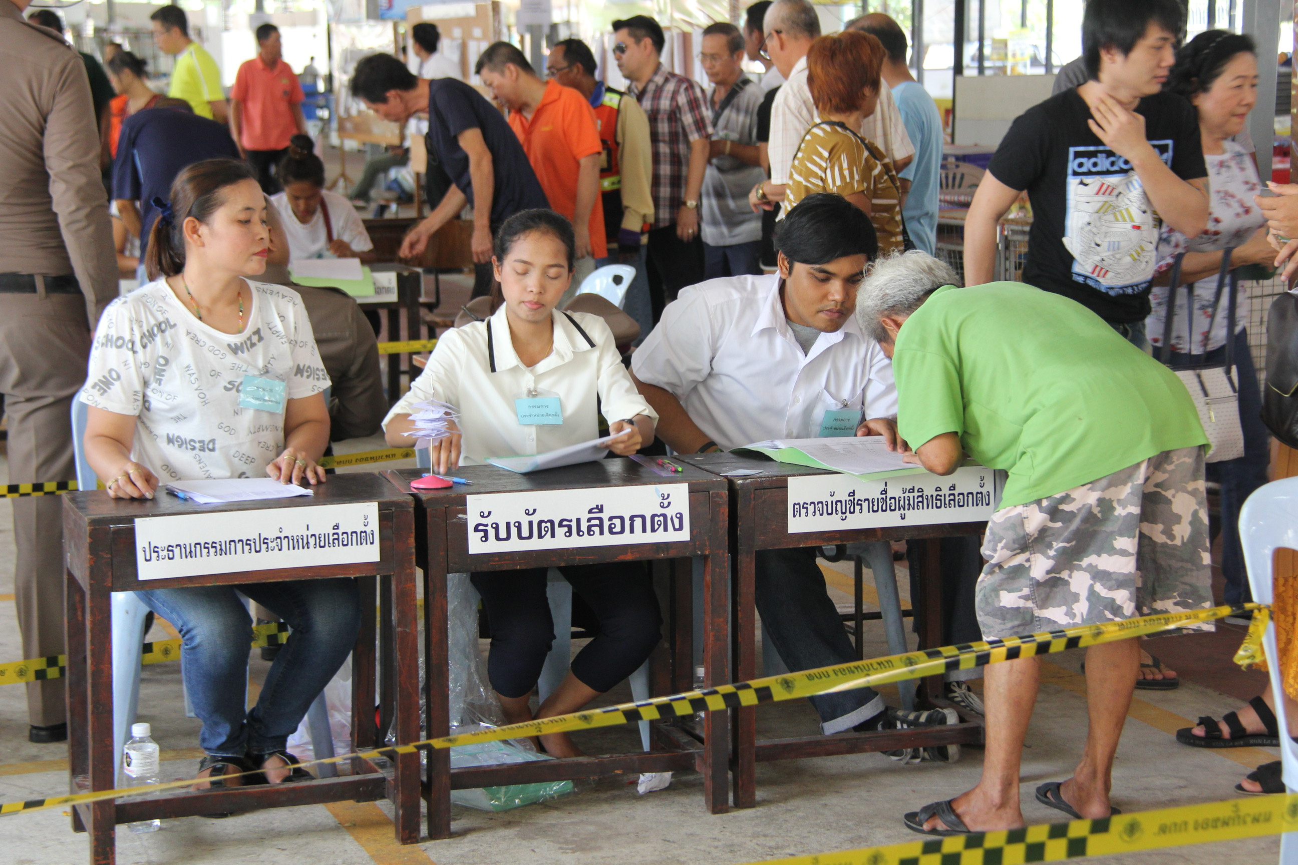 Polls open for Thailand's election