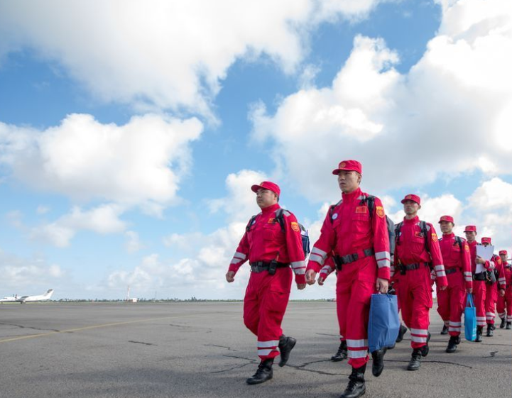 Chinese rescue team arrives in Mozambique after cyclone Idai causes devastation