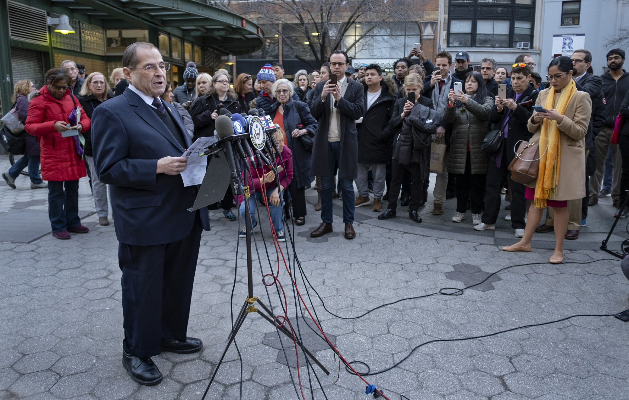 US intel panel postpones hearing with Trump adviser