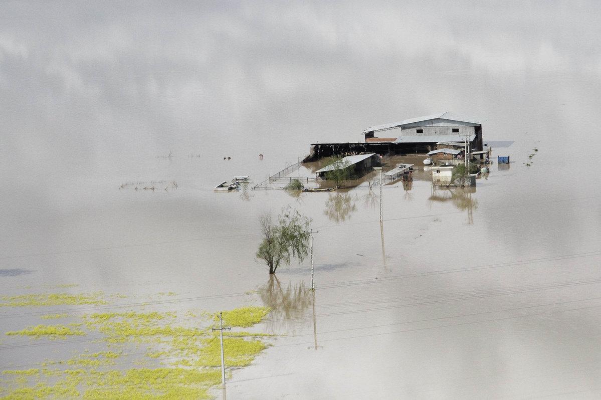 30 die in Iran's unprecedented floods
