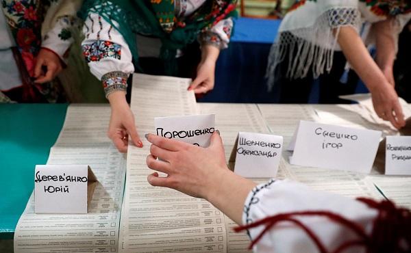 Zelensky, Poroshenko advance to second round of Ukraine's presidential election: exit poll