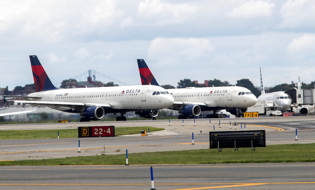 Major US airlines hit by delays after glitch at vendor
