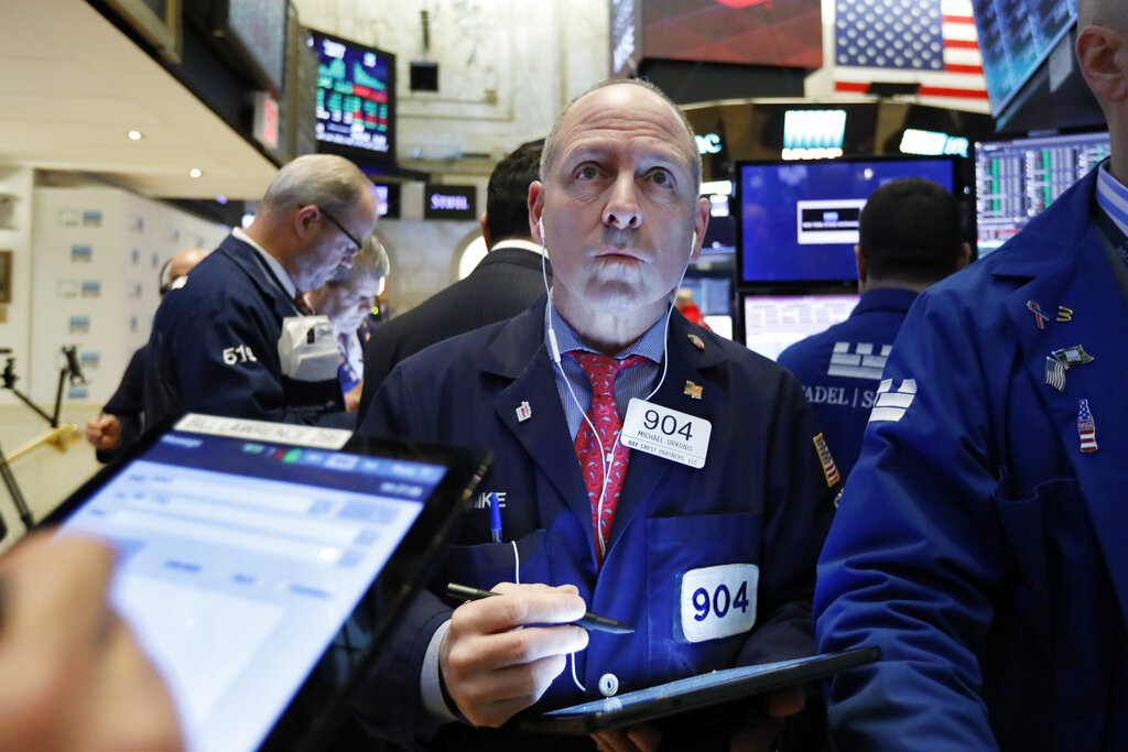 US stocks move lower in early trading after a 3-day rally