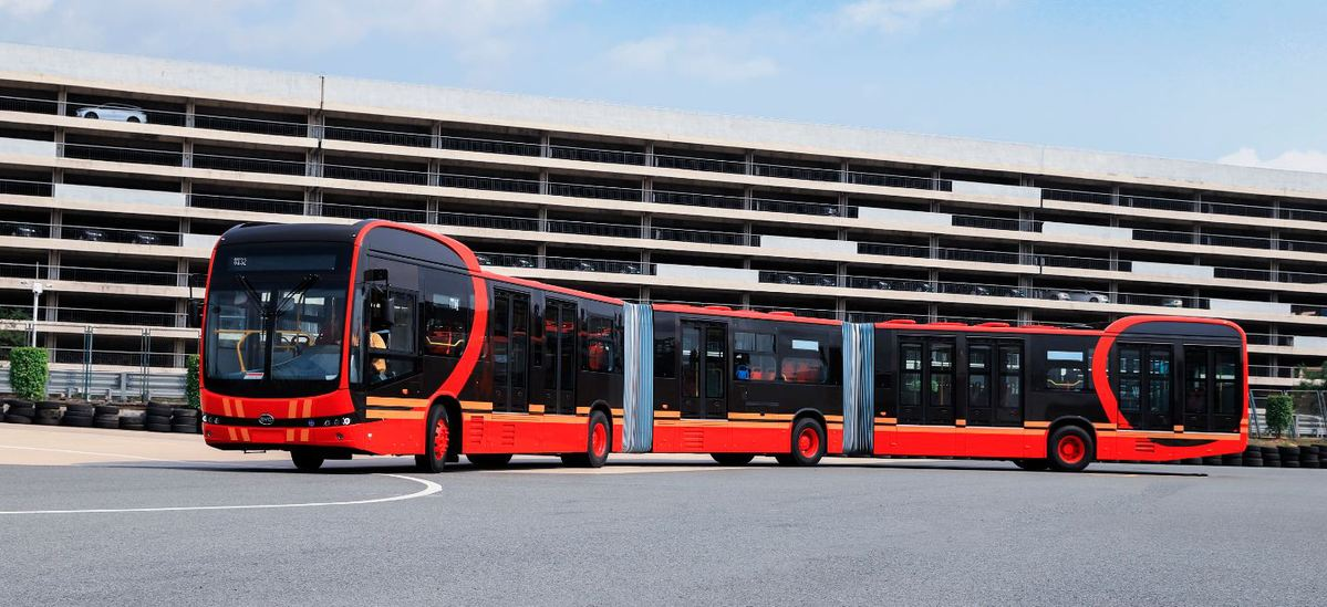 BYD looks ahead with long, pure electric bus