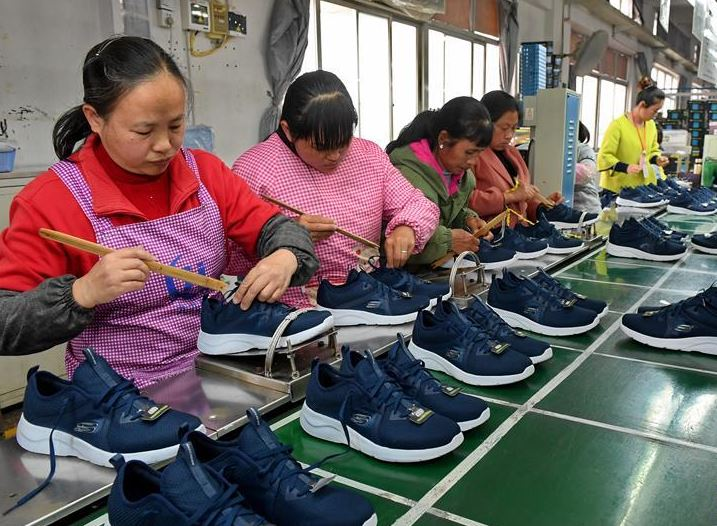 China to introduce policies to lessen burden on businesses, individuals