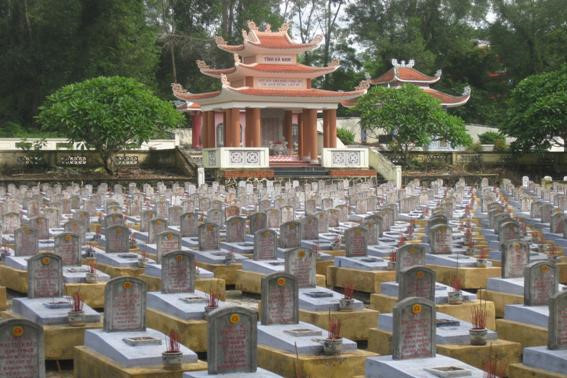 In solidarity and grief, Chinese fallen soldiers honored in Vietnam