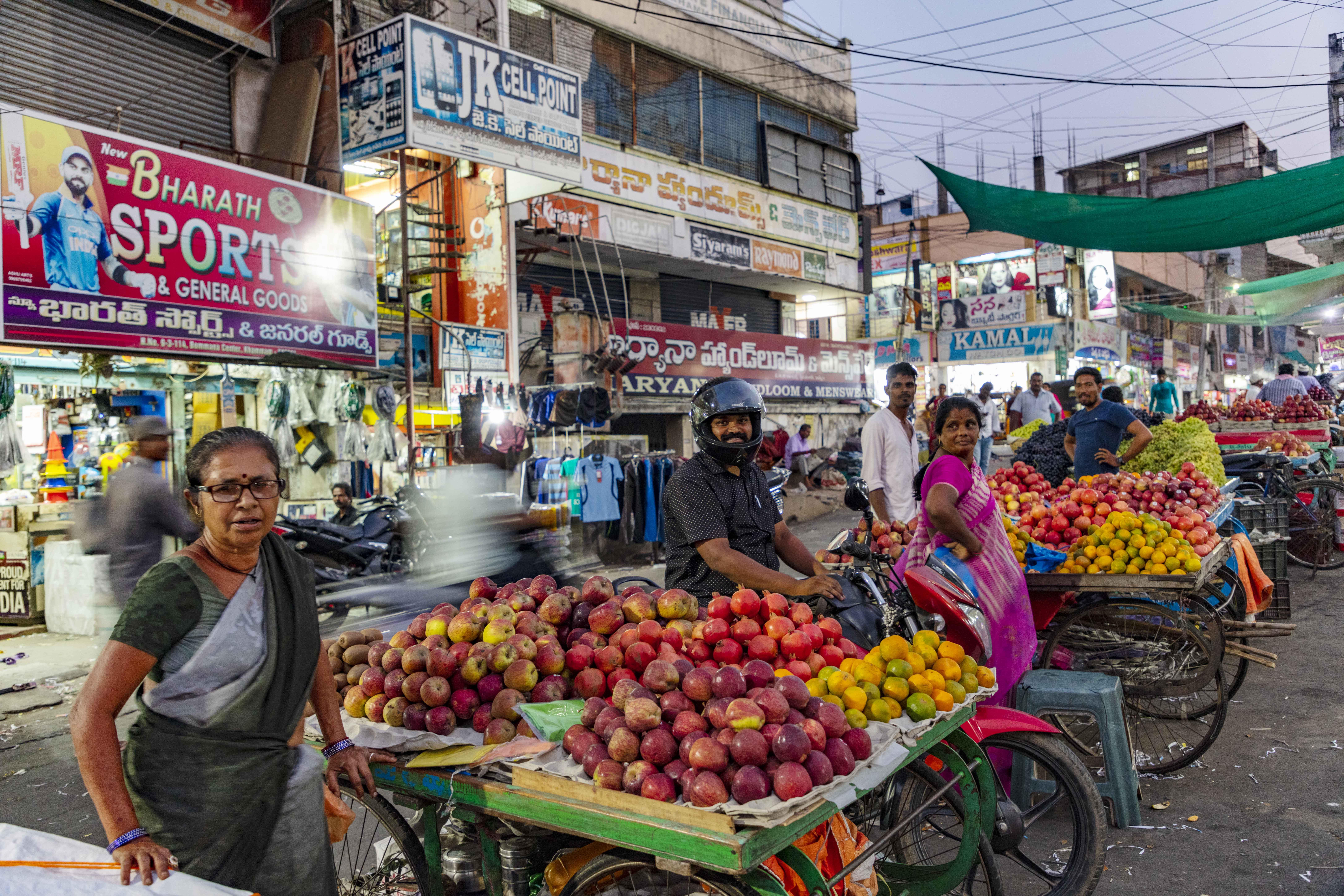 Photos: Street vending zones in Hyderabad, S India