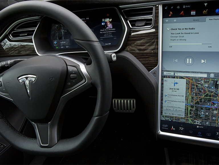 Your Tesla is ready to come to you on its own