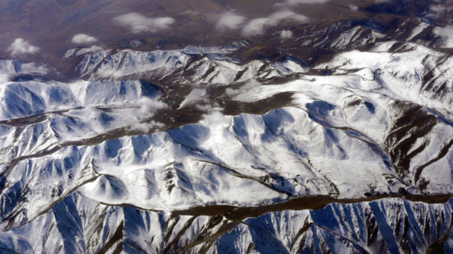 10 trapped after avalanches hit Xinjiang's Urumqi