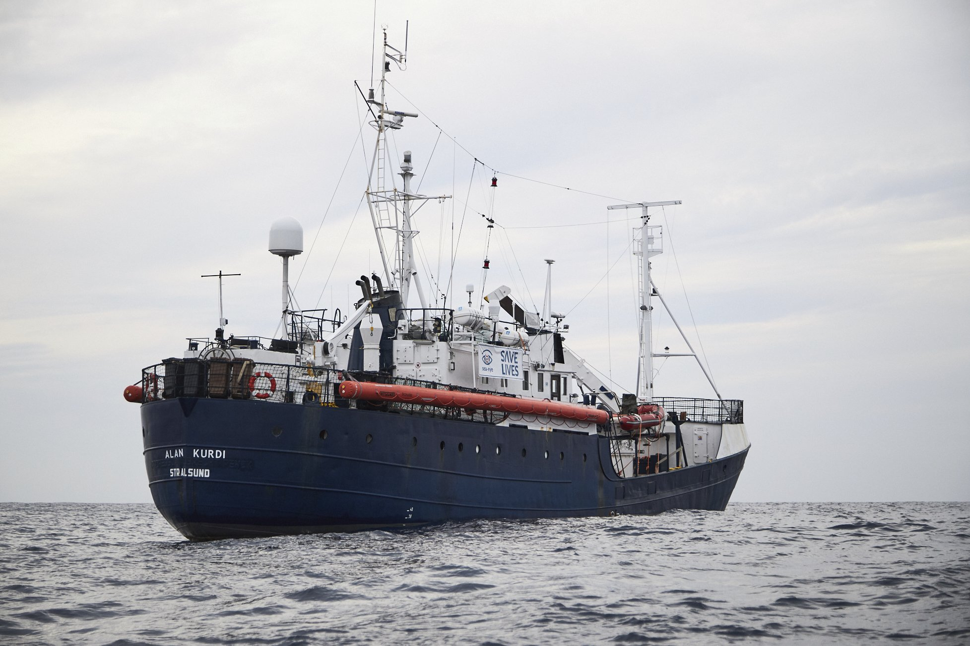 Migrant rescue ship low on supplies in Mediterranean