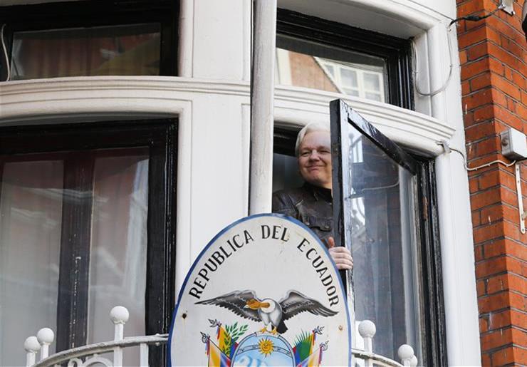 Ecuador revokes Assange's citizenship