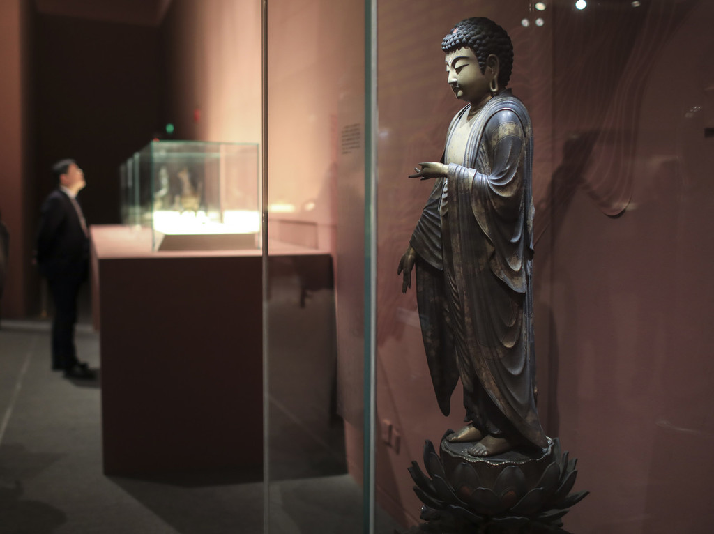 Relics from 13 nations demonstrate prosperity of the ancient Silk Road