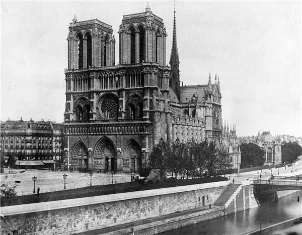 A devastated art world wept and watched as Notre Dame burned