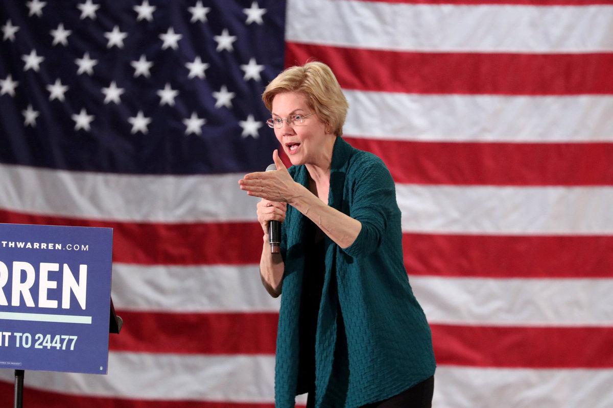 Elizabeth Warren builds largest US presidential campaign staff