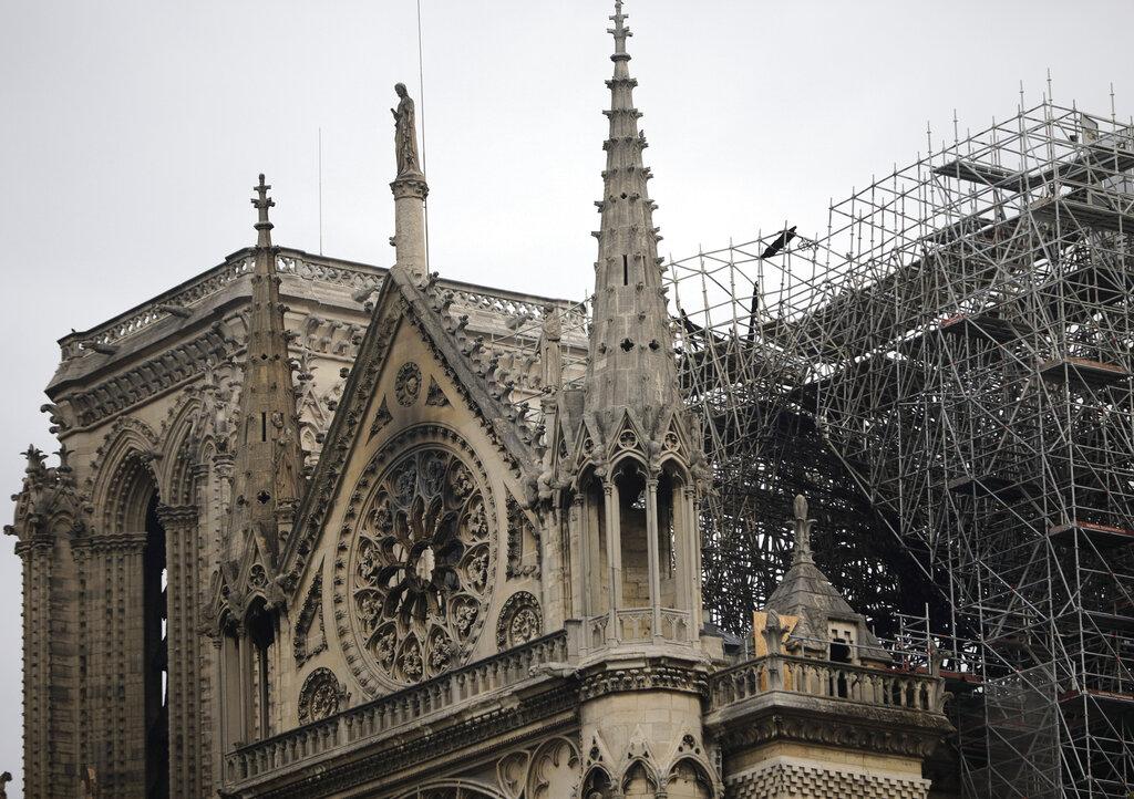 Xi sends condolence to Macron over Notre-Dame fire