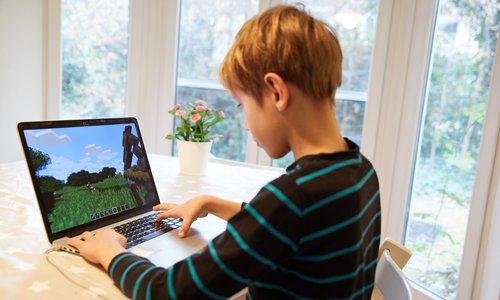 Authorities crack down on vulgar content found in online children's game