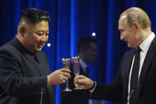 Putin says Korean Peninsula nuclear issue can only be solved via peaceful way
