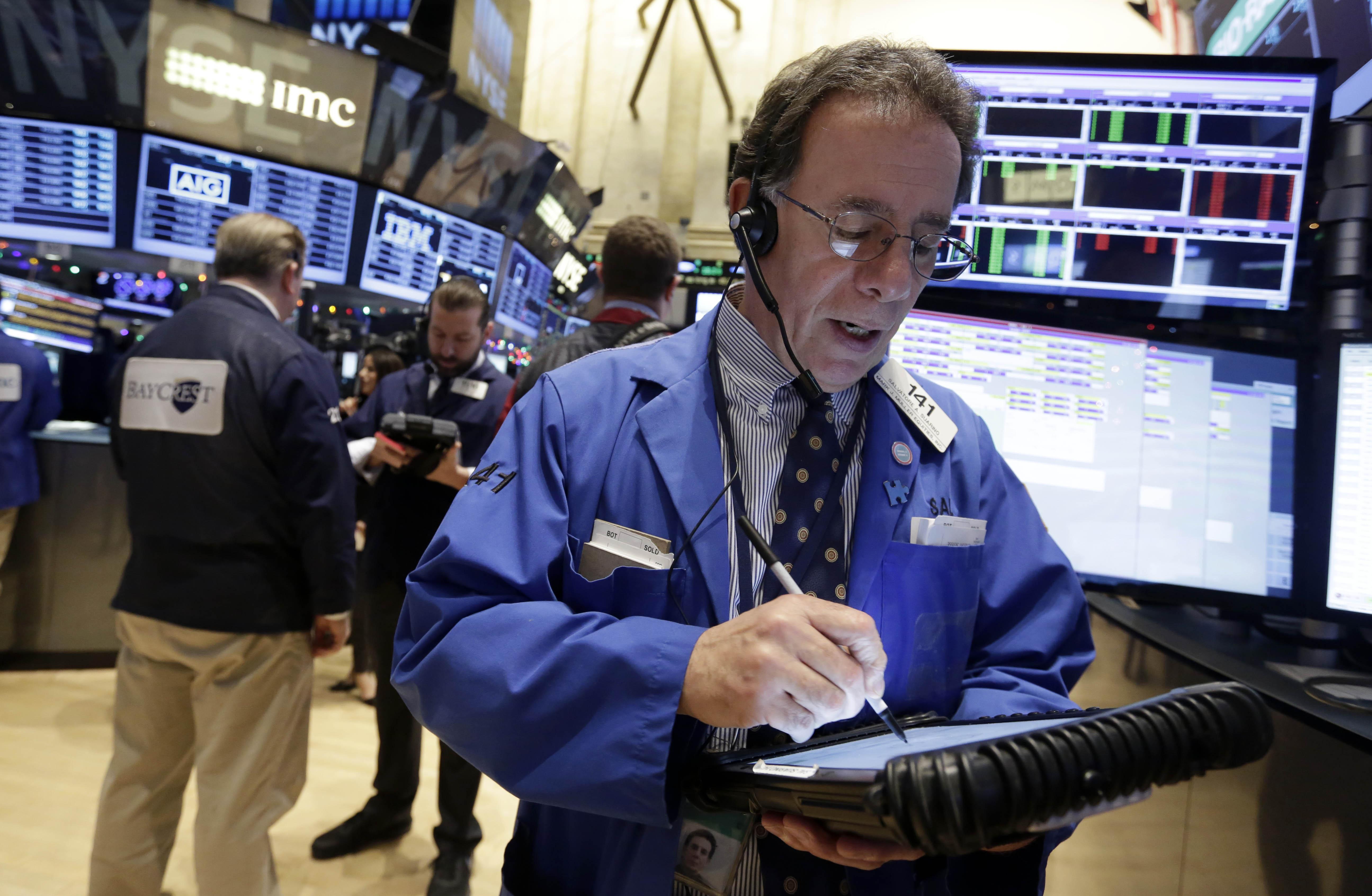 US stocks close mixed amid corporate earnings, economic data