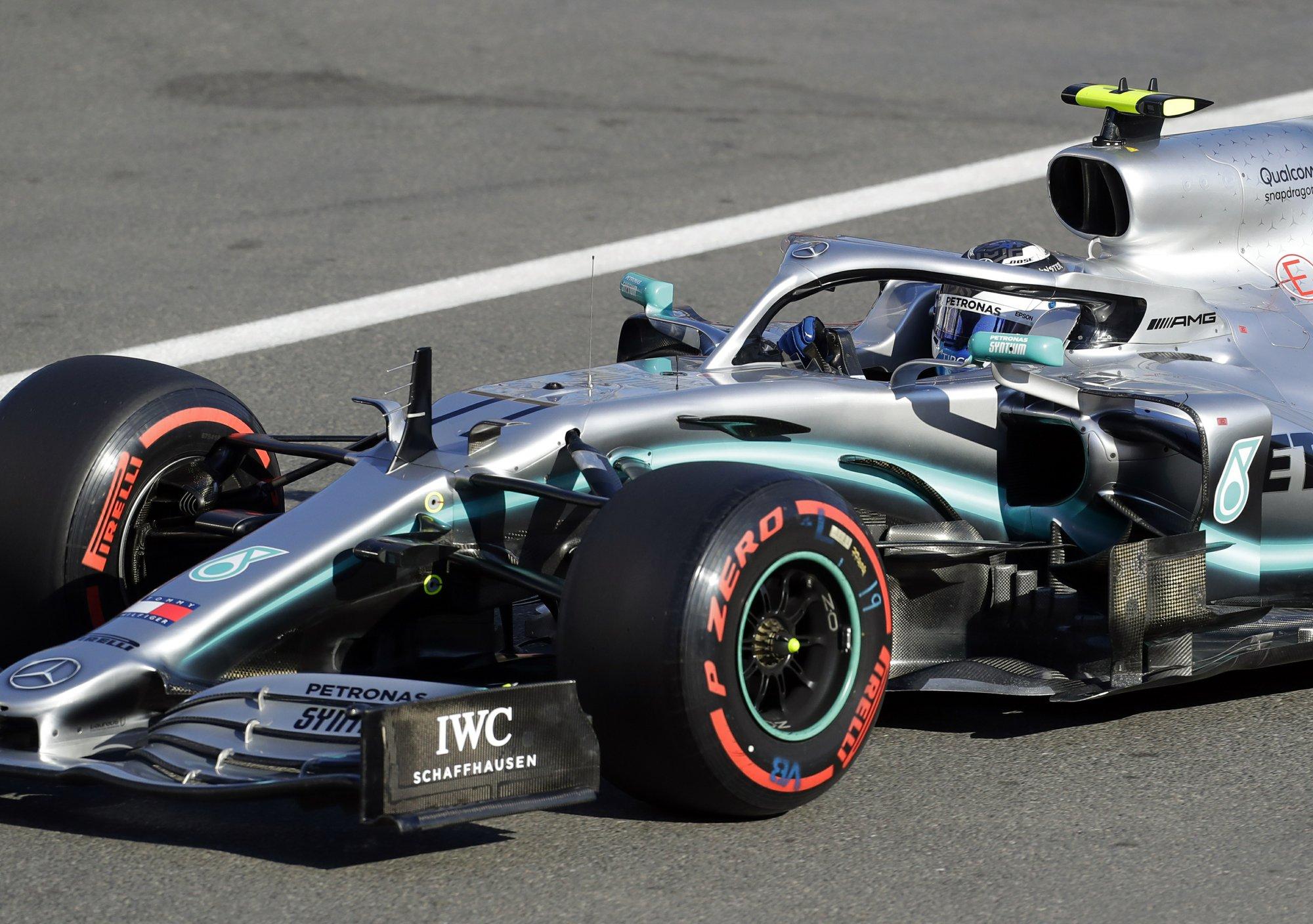 Bottas takes pole in Azerbaijan after Leclerc crashes