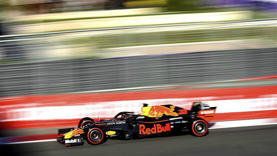 Highlights of qualifying session at Baku Formula One city circuit