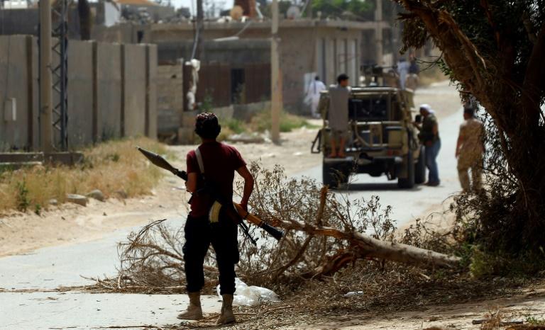 Air raids on Libya's capital: witnesses