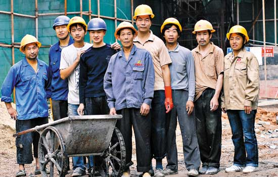 Migrant worker population growth slows down