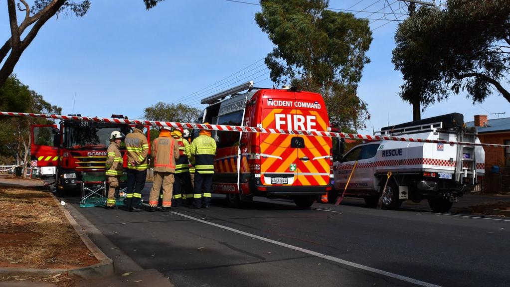 Australian police detain man, neutralise explosive materials