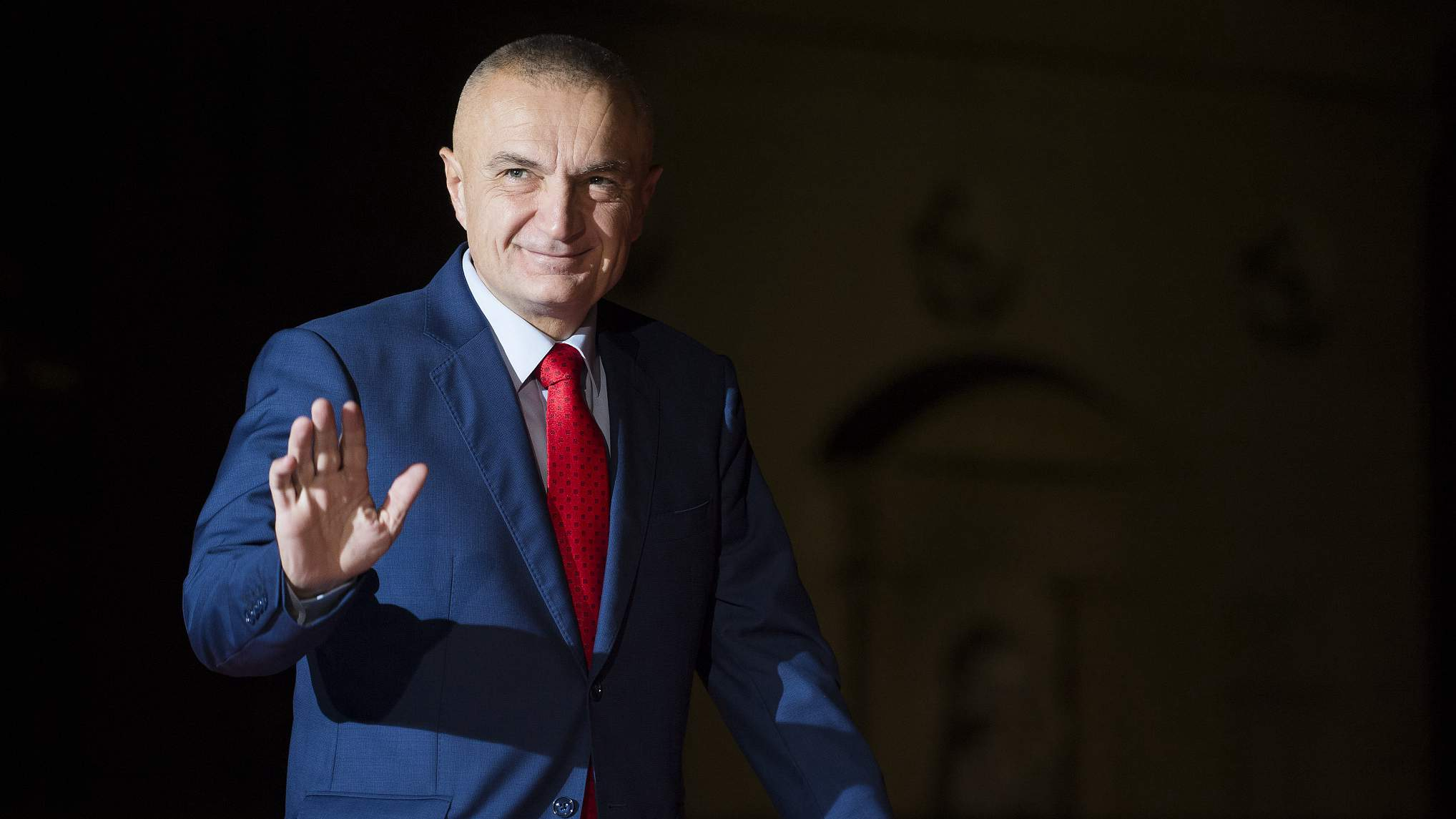 Albanian president meets small party leaders in attempt to solve political crisis