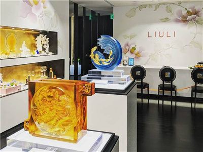 Liuli art show presents Chinese culture to Americans