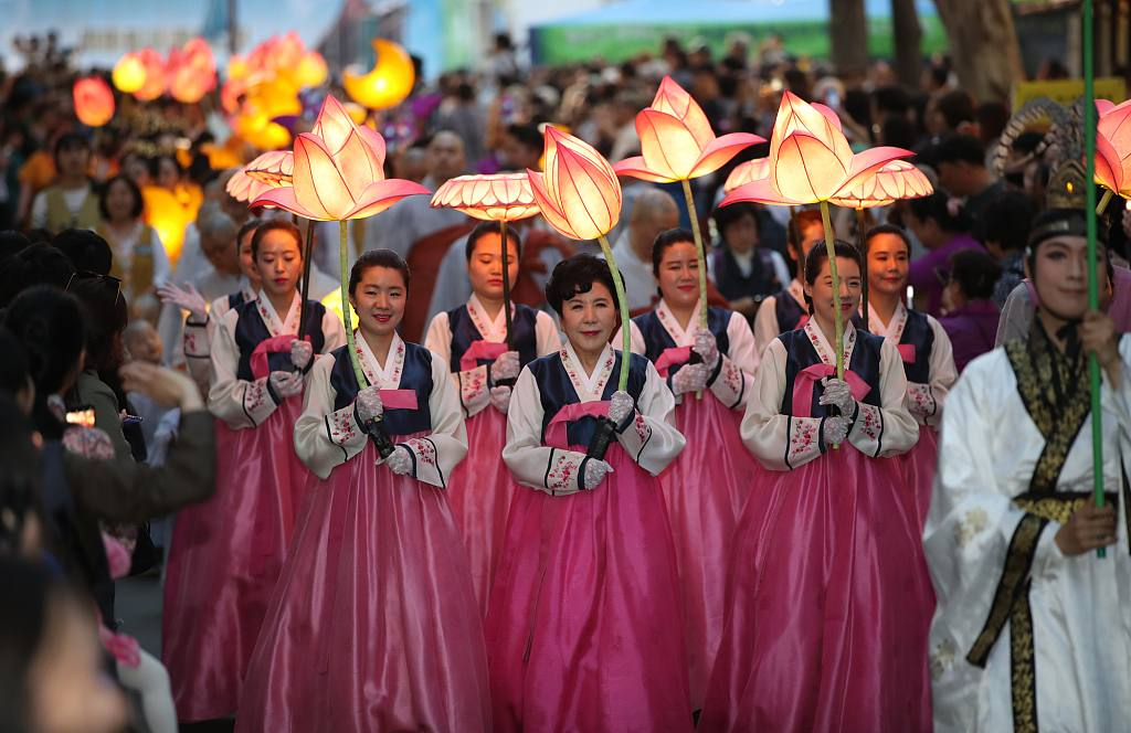 Seoul is lit up with lanterns to mark Buddha's birthday