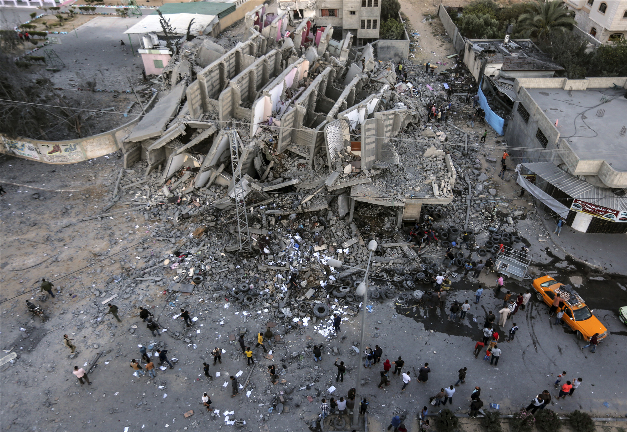 Israel, Hamas reach cease-fire agreement after 3 days of tensions