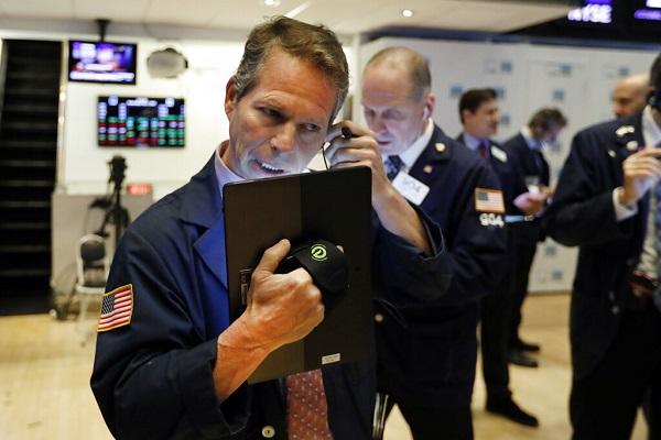 US stocks open sharply lower