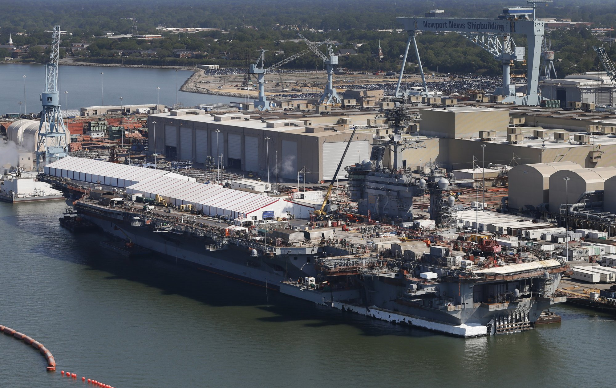 US sends carrier to Mideast, citing unspecific Iran threats