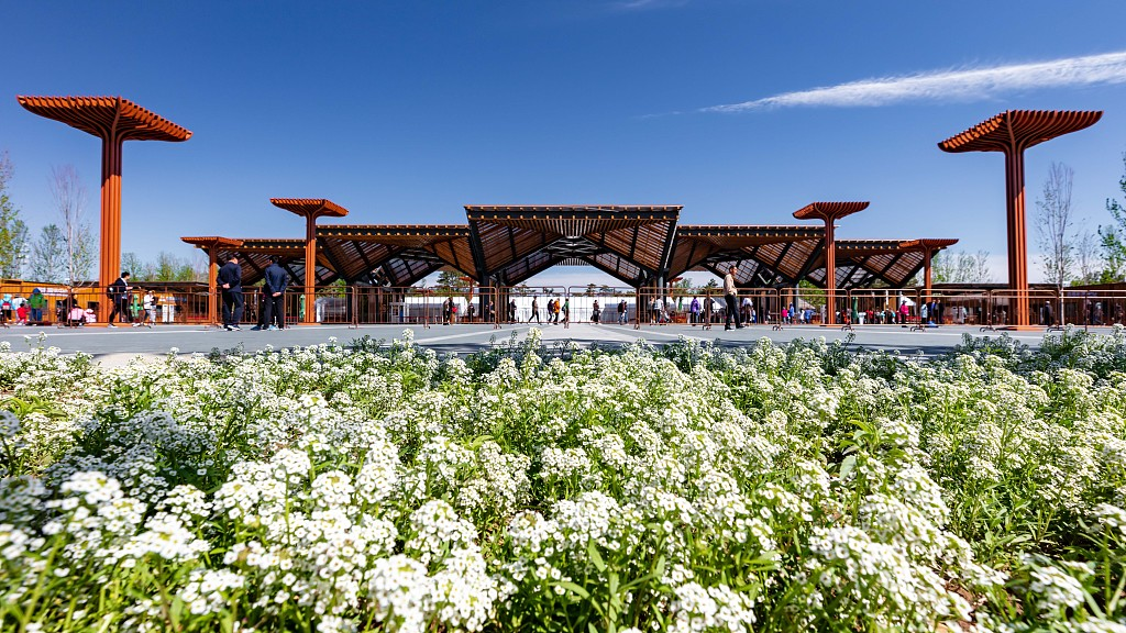 Over 80 percent of tourists feel satisfied about Beijing horticultural expo