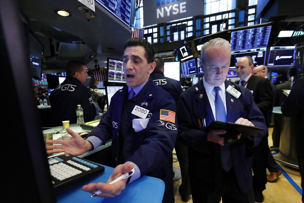 Dow falls 138 points, S&P drops for a fourth day
