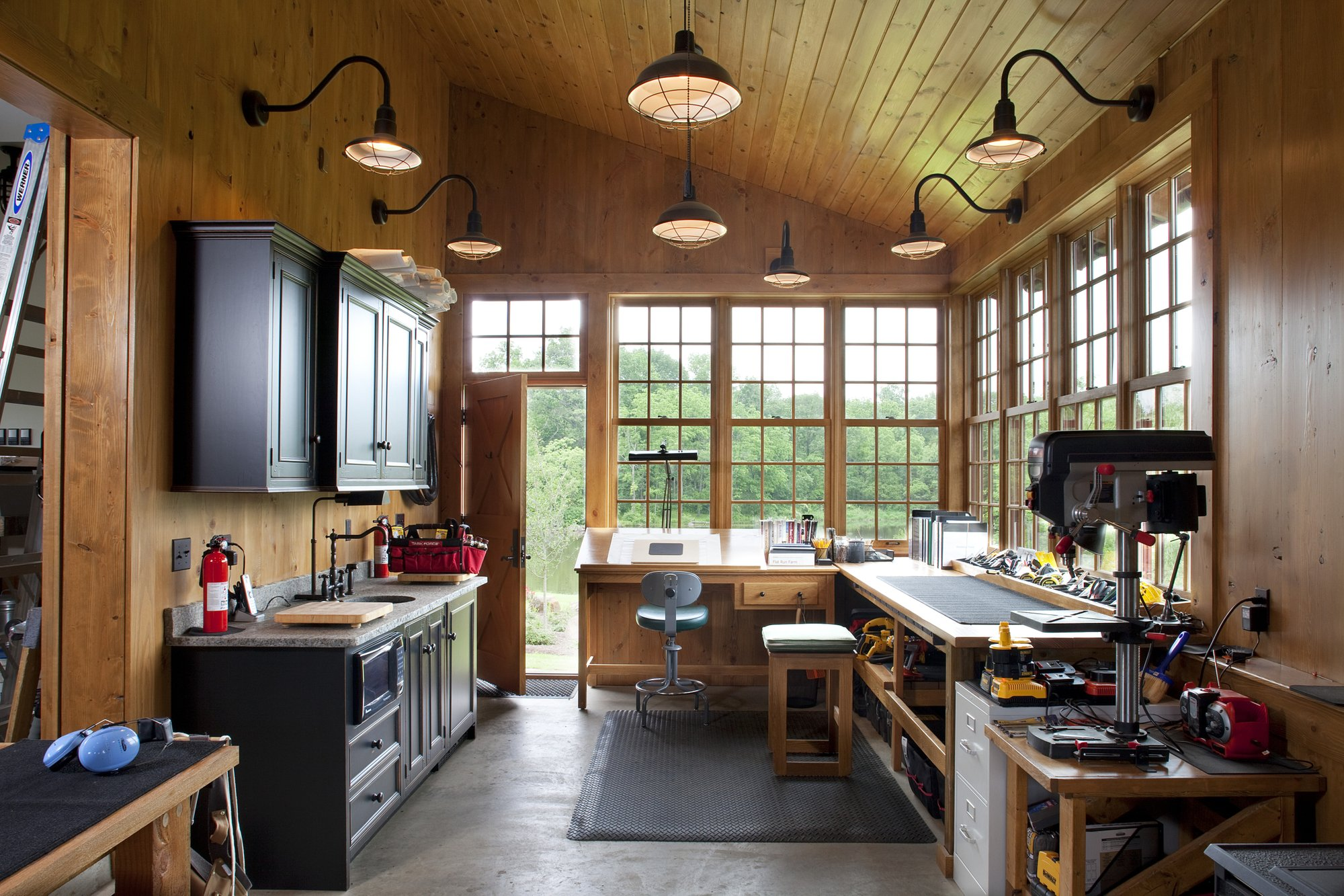 The stylish and multifunctional garage