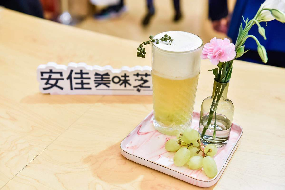 Youngsters in China prefer tea houses to coffee brands